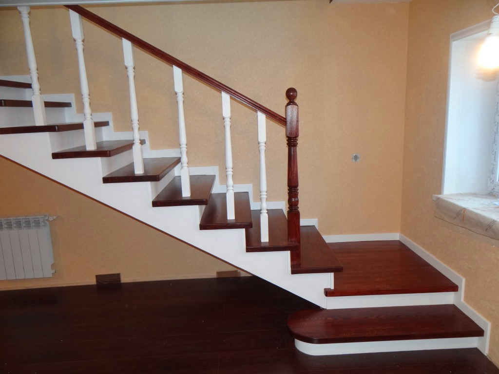 Деревянная лестница своими руками на металлическом каркасе 95